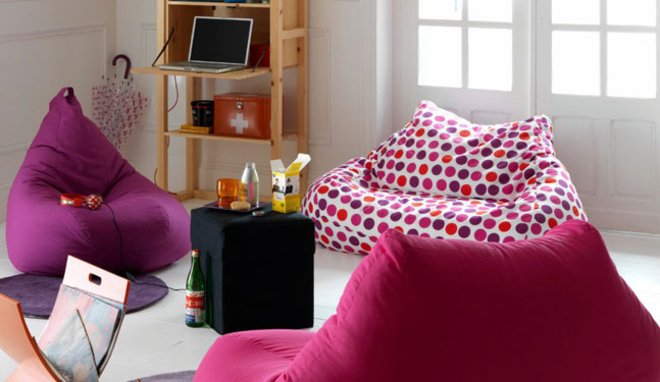 les poufs un l ment de d coration d int rieur tr s tendance des conseils pour la d coration. Black Bedroom Furniture Sets. Home Design Ideas