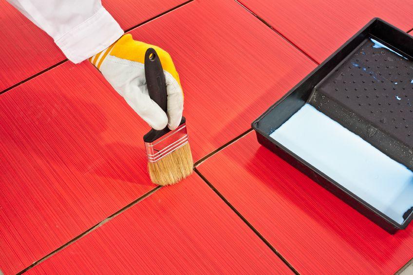 R nover le rev tement du sol de la cuisine nos conseils for Peut on peindre du carrelage de cuisine